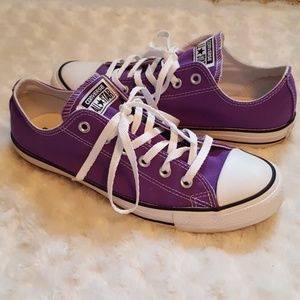 Converse Chuck Taylor All Star bright purple low